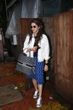 Isha Koppikar spotted at indigo in bandra on 5th Aug 2019 (7)_5d4929d413ecd.JPG