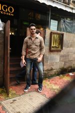 Sooraj Pancholi spotted at Indigo in bandra on 5th Aug 2019 (12)_5d492a014b690.JPG