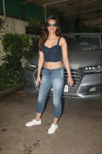 Kriti Sanon spotted at sunny sound juhu on 6th Aug 2019 (13)_5d4a7bbf3d291.JPG