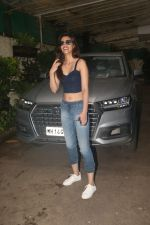 Kriti Sanon spotted at sunny sound juhu on 6th Aug 2019 (9)_5d4a7baa6905e.JPG