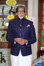 Amitabh Bachchan at the launch of Ndtv Banega Swasth India Season 6 in juhu on 19th Aug 2019 (59)_5d5ba5b860354.jpg