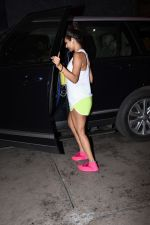 Malaika Arora spotted at gym in bandra on 19th Aug 2019 (16)_5d5b9e943ef3a.JPG