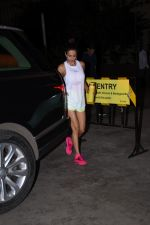 Malaika Arora spotted at gym in bandra on 19th Aug 2019 (2)_5d5b9e642ddd2.JPG