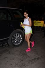 Malaika Arora spotted at gym in bandra on 19th Aug 2019 (9)_5d5b9e77218f9.JPG