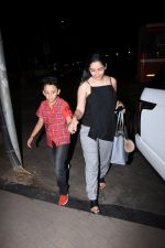 Manyata Dutt with kids Iqra & Shahran spotted at ministry of crabs in bandra on 19th Aug 2019 (6)_5d5b9e7c148fc.JPG