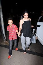 Manyata Dutt with kids Iqra & Shahran spotted at ministry of crabs in bandra on 19th Aug 2019 (7)_5d5b9e80663c8.JPG