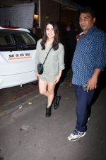 Radhika Madan spotted at farmer_s cafe bandra on 19th Aug 2019 (14)_5d5b9eabb73b2.JPG