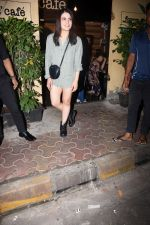 Radhika Madan spotted at farmer_s cafe bandra on 19th Aug 2019 (5)_5d5b9e90f0e94.JPG