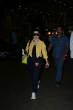 Ameesha Patel spotted at airport on 20th Aug 2019 (70)_5d5cf46548f30.JPG