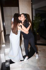 Daisy Shah at Manish Malhotra_s party at his home in bandra on 20th Aug 2019 (282)_5d5cf9fc12d02.JPG