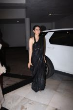 Karisma Kapoor at Manish Malhotra_s party at his home in bandra on 20th Aug 2019 (62)_5d5cfa6dad9f3.JPG