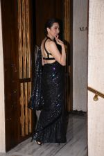 Karisma Kapoor at Manish Malhotra_s party at his home in bandra on 20th Aug 2019 (70)_5d5cfa720edce.JPG