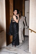 Karisma Kapoor at Manish Malhotra_s party at his home in bandra on 20th Aug 2019 (71)_5d5cfa73b53f9.JPG