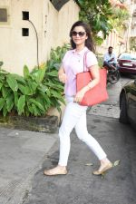 Konkana Bakshi spotted at dental clinic in bandra on 20th Aug 2019 (4)_5d5ce67b59a62.JPG