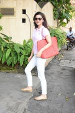 Konkana Bakshi spotted at dental clinic in bandra on 20th Aug 2019 (5)_5d5ce67d42659.JPG