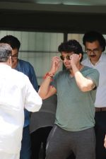 Sonu Nigam at the funeral of Mohammed Zahur Khayyam on 20th Aug 2019 (26)_5d5cf544925a9.jpg