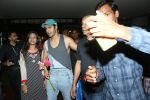 Varun Dhawan spotted at airport on 20th Aug 2019 (23)_5d5cf51a8a859.JPG