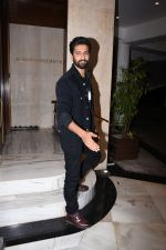 Vicky Kaushal at Manish Malhotra_s party at his home in bandra on 20th Aug 2019 (258)_5d5cfb0b02d5b.JPG