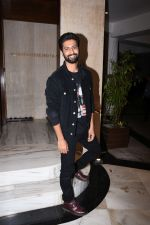 Vicky Kaushal at Manish Malhotra_s party at his home in bandra on 20th Aug 2019 (259)_5d5cfb0c68266.JPG