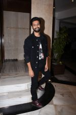 Vicky Kaushal at Manish Malhotra_s party at his home in bandra on 20th Aug 2019 (261)_5d5cfb0f4286b.JPG