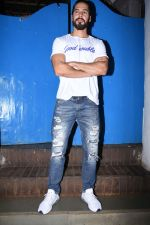 Dino Morea at Nikhil Advani_s party at olive bandra on 21st Aug 2019 (49)_5d5e8263437f5.JPG