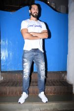 Dino Morea at Nikhil Advani_s party at olive bandra on 21st Aug 2019 (50)_5d5e8264bdc42.JPG