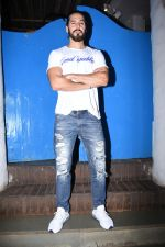 Dino Morea at Nikhil Advani_s party at olive bandra on 21st Aug 2019 (51)_5d5e8266561ca.JPG