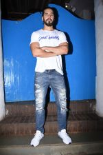 Dino Morea at Nikhil Advani_s party at olive bandra on 21st Aug 2019 (52)_5d5e8267e9b52.JPG