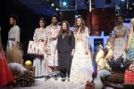 Farhan Akhtar and Shibani Dandekar walk the ramp for designer Payal Singhal on Lakme Fashion Wek Day 1 on 21st Aug 2019 (1)_5d5e4433c70be.JPG