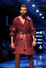 Hardik Pandya walk the ramp at Lakme Fashion week 2019 for designer Amit Aggarwal on 21st Aug 2019 (19)_5d5e458cec7b9.JPG