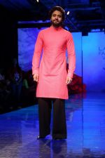 Jacky Bhagnani at lakme fashion week Day 1 on 21st Aug 2019 (24)_5d5e456aafd3d.JPG
