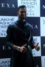 Krunal Pandya at Lakme Fashion Week 2019 on 21st Aug 2019 (3)_5d5e458eeafdf.JPG