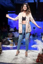 Shriya Saran at lakme fashion week Day 1 on 21st Aug 2019 (18)_5d5e4697a6d12.JPG