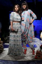 Shweta Salve, Manasi Scott at Lakme Fashion Week Day 1 on 21st Aug 2019 (2)_5d5e46a260248.JPG