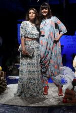 Shweta Salve, Manasi Scott at Lakme Fashion Week Day 1 on 21st Aug 2019 (3)_5d5e46a47aa59.JPG