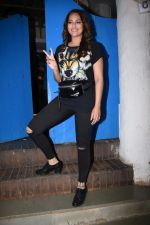 Sonakshi Sinha at Nikhil Advani_s party at olive bandra on 21st Aug 2019 (427)_5d5e849ae2749.JPG