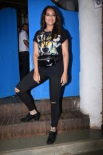 Sonakshi Sinha at Nikhil Advani_s party at olive bandra on 21st Aug 2019 (430)_5d5e84a0a4d9c.JPG