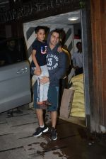 Varun Dhawan spotted at gym in juhu on 21st Aug 2019 (15)_5d5e478357687.JPG