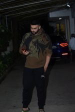 Arjun Kapoor spotted sunny sound juhu on 22nd Aug 2019 (16)_5d5f931796e4d.JPG
