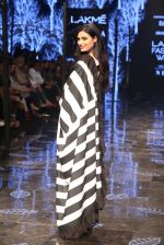 Athiya Shetty walk the ramp for designer Abraham & Thakore at Lakme Fashion Week 2019 on 22nd Aug 2019 (22)_5d5f8d8e44b31.JPG