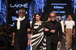 Athiya Shetty walk the ramp for designer Abraham & Thakore at Lakme Fashion Week 2019 on 22nd Aug 2019 (30)_5d5f8da39467d.JPG