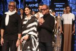 Athiya Shetty walk the ramp for designer Abraham & Thakore at Lakme Fashion Week 2019 on 22nd Aug 2019 (38)_5d5f8db463b6d.JPG