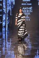 Athiya Shetty walk the ramp for designer Abraham & Thakore at Lakme Fashion Week 2019 on 22nd Aug 2019 (4)_5d5f8d6b576a8.JPG