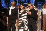 Athiya Shetty walk the ramp for designer Abraham & Thakore at Lakme Fashion Week 2019 on 22nd Aug 2019 (40)_5d5f8db7a95ae.JPG