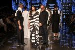 Athiya Shetty walk the ramp for designer Abraham & Thakore at Lakme Fashion Week 2019 on 22nd Aug 2019 (42)_5d5f8dbb07b16.JPG