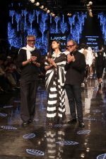 Athiya Shetty walk the ramp for designer Abraham & Thakore at Lakme Fashion Week 2019 on 22nd Aug 2019 (50)_5d5f8dc9b3290.JPG
