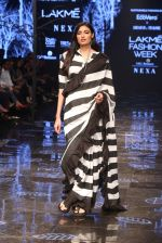 Athiya Shetty walk the ramp for designer Abraham & Thakore at Lakme Fashion Week 2019 on 22nd Aug 2019 (8)_5d5f8d73bc4fe.JPG