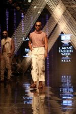 Model walk the ramp at Lakme Fashion Week 2019 Day 2 on 22nd Aug 2019 (113)_5d5f996b702a0.JPG