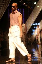 Model walk the ramp at Lakme Fashion Week 2019 Day 2 on 22nd Aug 2019 (115)_5d5f996f7a6ea.JPG