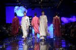 Model walk the ramp at Lakme Fashion Week 2019 Day 2 on 22nd Aug 2019 (125)_5d5f996a8ff0a.JPG